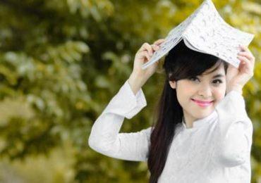 Người cô của bé Hương